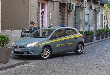 """Evasione fiscale: sequestrati 730mila euro all'imprenditore Cantone e alla """"Fenice s.r.l."""""""