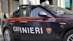 Non si fermano all'alt e scappano con un'auto rubata: arrestati dai carabinieri