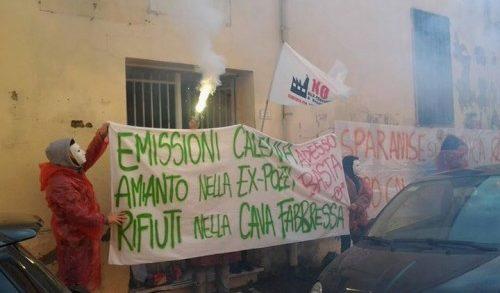 """Sparanise, lo Spazio Cales accusa il Ds Mesolella: """"Avrebbe invitato gli alunni a manifestare con i pro life"""""""