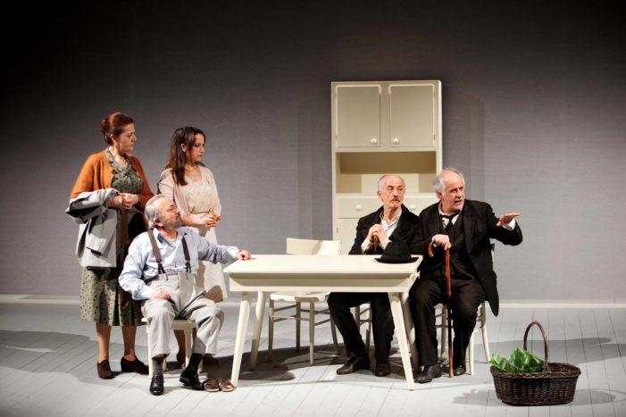 """Mercoledì al Teatro Comunale di Caserta """"Le Voci di Dentro"""" di Eduardo De Filippo con Toni Servillo"""