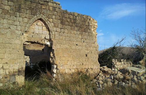 """Crolla una parte del """"Castello"""" di Pignataro Maggiore: chiesto l'aiuto dell'ex ministro Massimo Bray"""