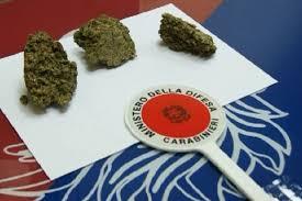 Fermato mentre vendeva la cocaina: 39enne trovato in possesso anche di hashish e marijuana