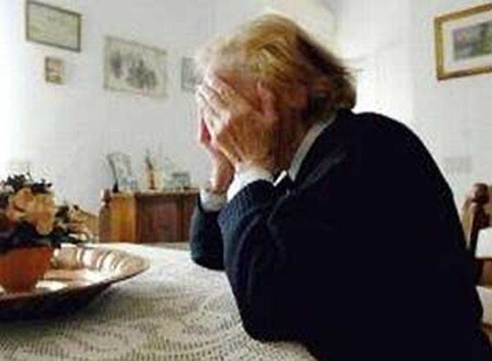 Narcotizzavano le donne anziane per rubare nelle loro case: arrestata una coppia