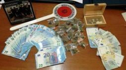 Arrestato ventenne mentre vendeva hashish: sarà giudicato per direttissima