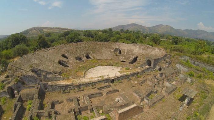 Il fascino dell'antica Cales: un libro svela i tesori della necropoli del Migliaro