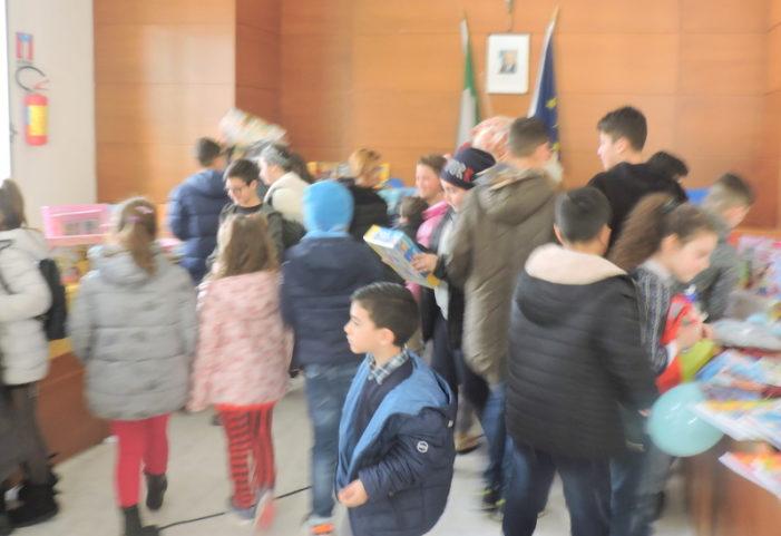 Tantissimi bambini hanno festeggiato l'Epifania della Vesuvius con Angelo Iannelli e Mr. Pepe