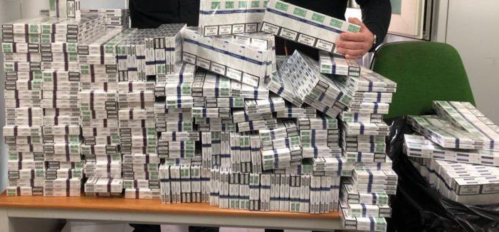 Contrabbando di sigarette, sequestrati 50 chilogrammi sulla Nola-Villa Literno