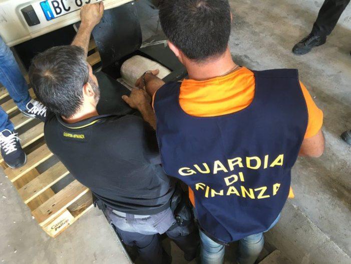 """""""Operazione Smoke Snake"""": arrestate tre persone per traffico di eroina dall'Albania"""