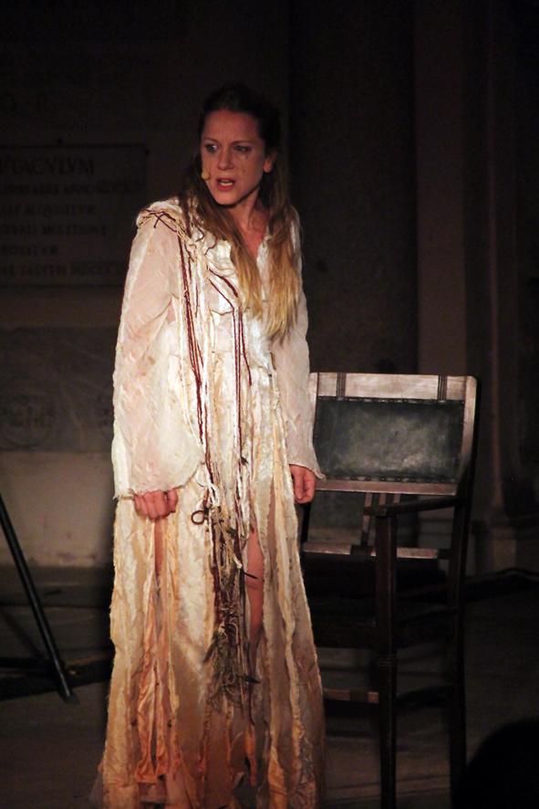 """Giovedì 15 marzo: Viola Graziosi dà vita in scena ad """"Aiace"""" di Ghiannis Ritsos, al Teatro Elicantropo di Napoli"""