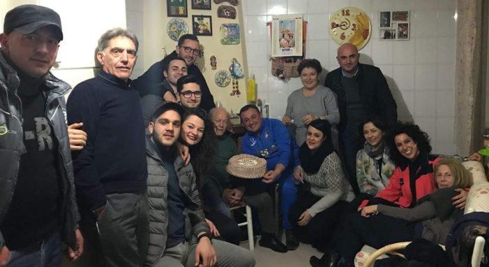 Festa grande per i 71 anni dell'ex Sindaco Gigino Romano che ha spento le candeline circondato da amici, sostenitori, ex assessori, futuri candidati e dipendenti comunali
