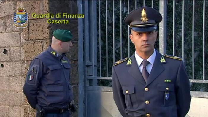 """La Guardia di Finanza di Caserta ha denunciato più di 700 """"furbetti del sussidio"""" che hanno incassato illecitamente oltre 3 milioni di euro."""
