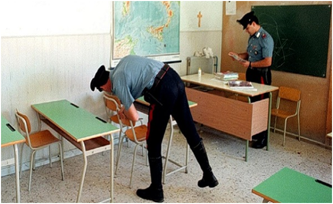 Stanata la banda di ladri che rubava negli istituti scolastici: in tre ai domiciliari