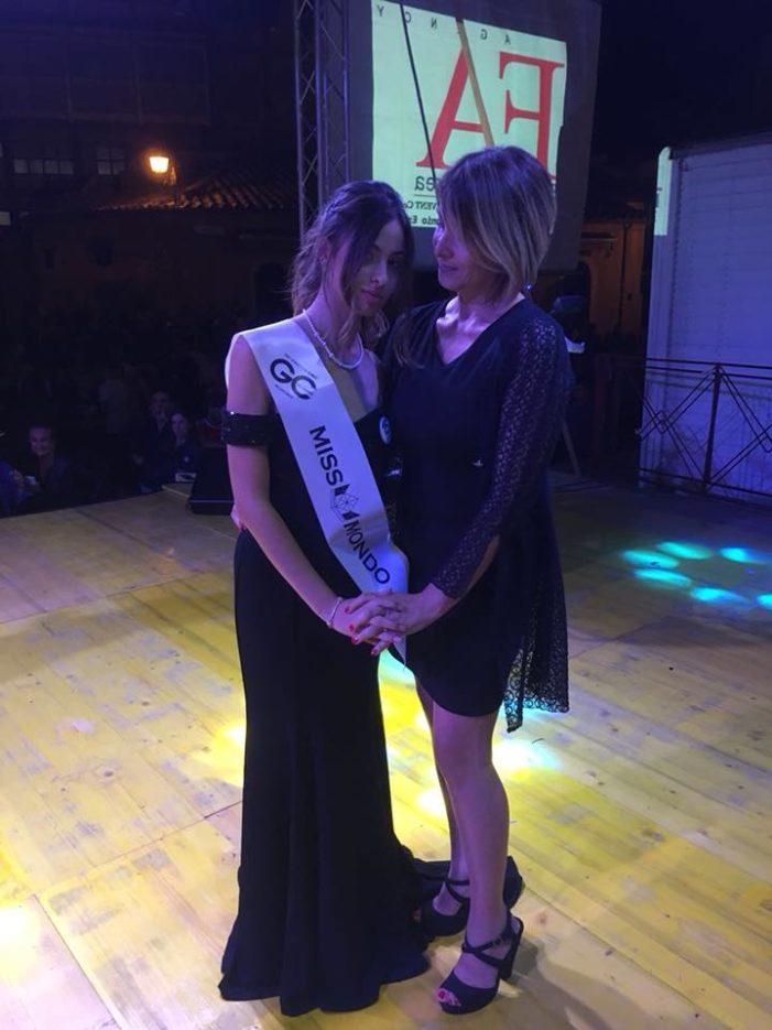 Caserta, la 15enne Erika Esposito si qualifica per finali regionali di Miss Mondo Campania