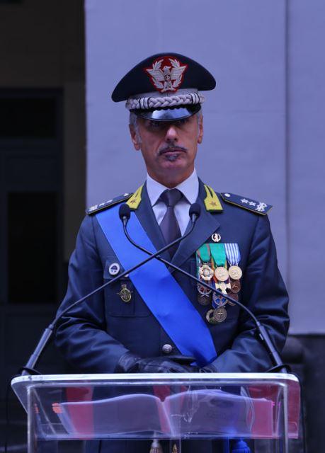 Il generale di divisione Virgilio Pomponi, comandante regionale della Guardia di Finanza, in visita al gruppo di Aversa
