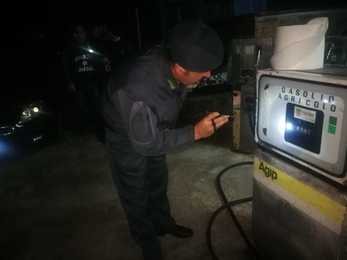 Bellona, sequestrato un deposito di carburante agevolato: denunciate 2 persone