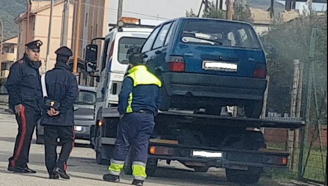 """Dopo il sequestro dell'auto operato dai Carabinieri, la vice-sindaco Del Monte paga multa e assicurazione e revisiona la sua """"storica"""" Fiat Uno"""