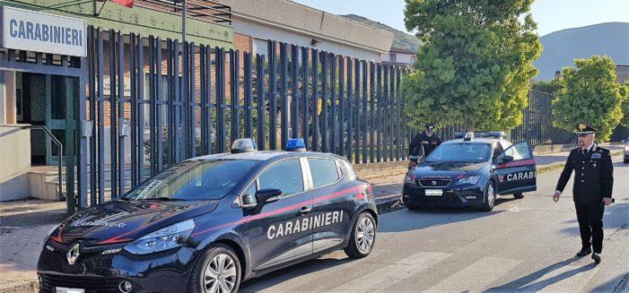 """Oltraggio, resistenza e minacce, i Carabinieri arrestano in un bar di Piazza Municipio il """"molestatore"""" della movida vitulatina"""