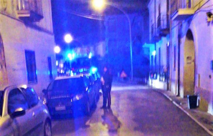 """Picchia la compagna e si """"cosparge"""" di alcol etilico per poi minacciare di dar fuoco all'alloggio: i Carabinieri evitano un'altra tragedia domestica"""