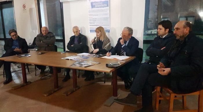 """Tante le personalità presenti all'incontro su """"Legalità e Democrazia"""" organizzato dall'Amministrazione comunale di Vitulazio (guarda il video dell'evento)"""