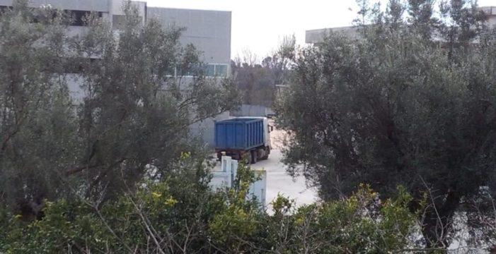 """Bellona, Comitato mai più Ilside: """"Sono ripresi i lavori di rimozione di plastica e ferro dall'ex sito rifiuti"""""""