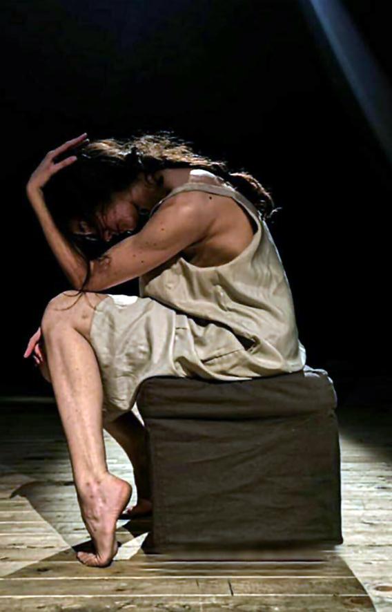 """Martedì 7 maggio, Sala Assoli Napoli: Estudio presenta """"Ca/1000"""" con la drammaturgia di Enrico Manzo e la regia di Luisa Corcione"""