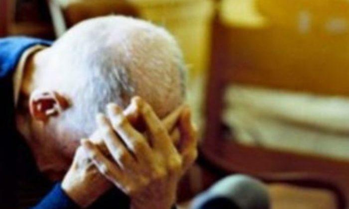 Rapinano un pensionato di mille euro: una coppia finisce agli arresti domiciliari