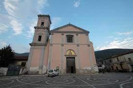 """Attesa per lo """"svelamento"""" della pala d'altare del Mozzillo nella Chiesa di San Simeone"""